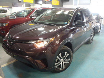 2017 Toyota RAV4 LE Sport Utility 4-Door 2017 toyota rav4 brand new conditon clean car fax only 672 miles one owner !!!!!