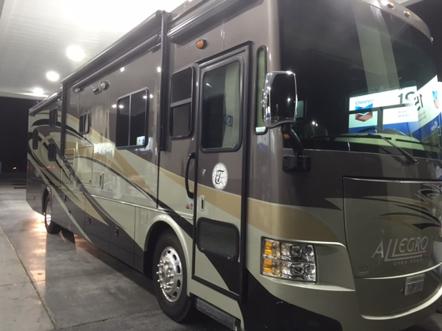 2014 Tiffin Motorhomes ALLEGRO RED 38QBA