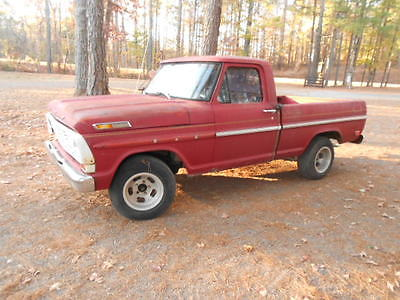1968 Ford F-100 V8 4 spd 1968 Ford F100 v-8 short bed 4 speed floor shift with patina.
