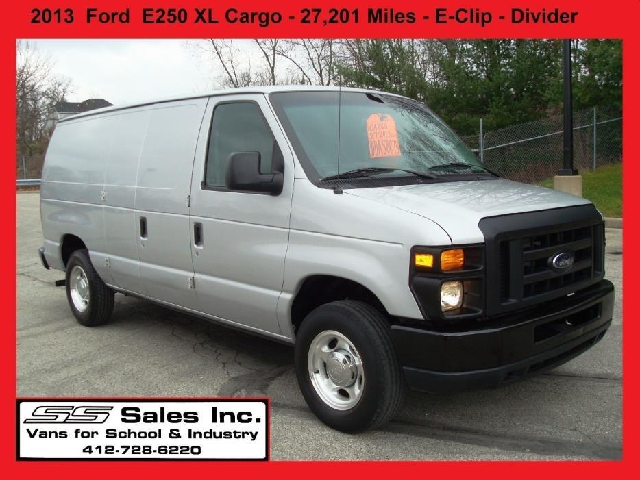 2013 Ford E  Dry Van