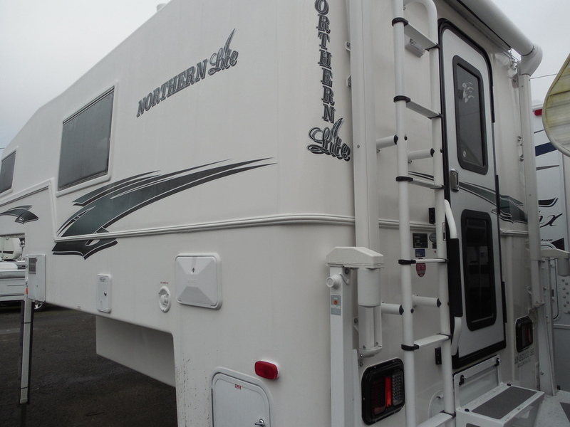 2017 Northern Lite Special Edition Series Campers 10'2