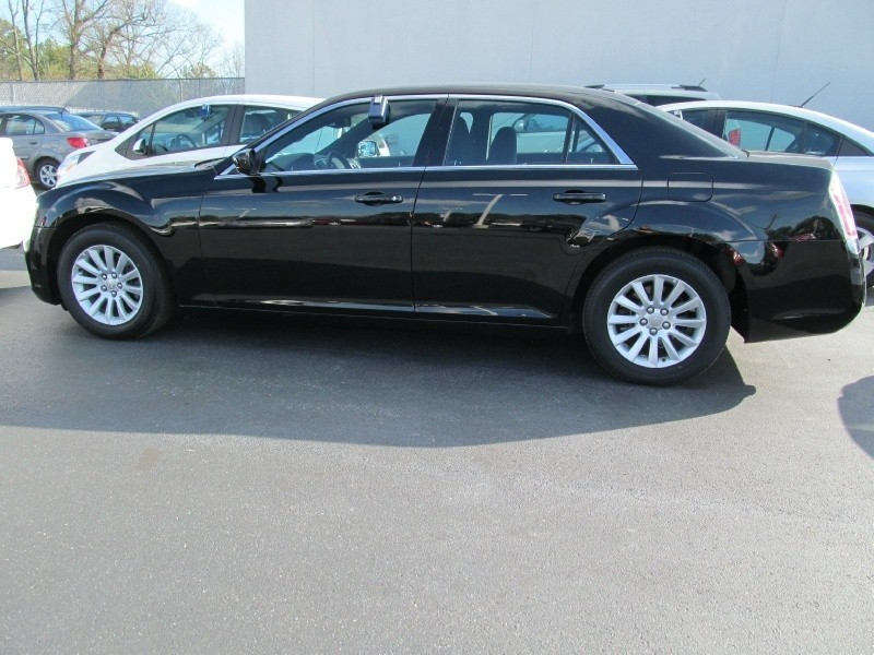 2012 Chrysler 300 V6,Touchscreen Stereo,Woodgrain,PROGRAM CAR DEAL-ASK ME!