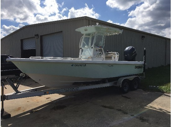 2005 Everglades Boats 223 Cc