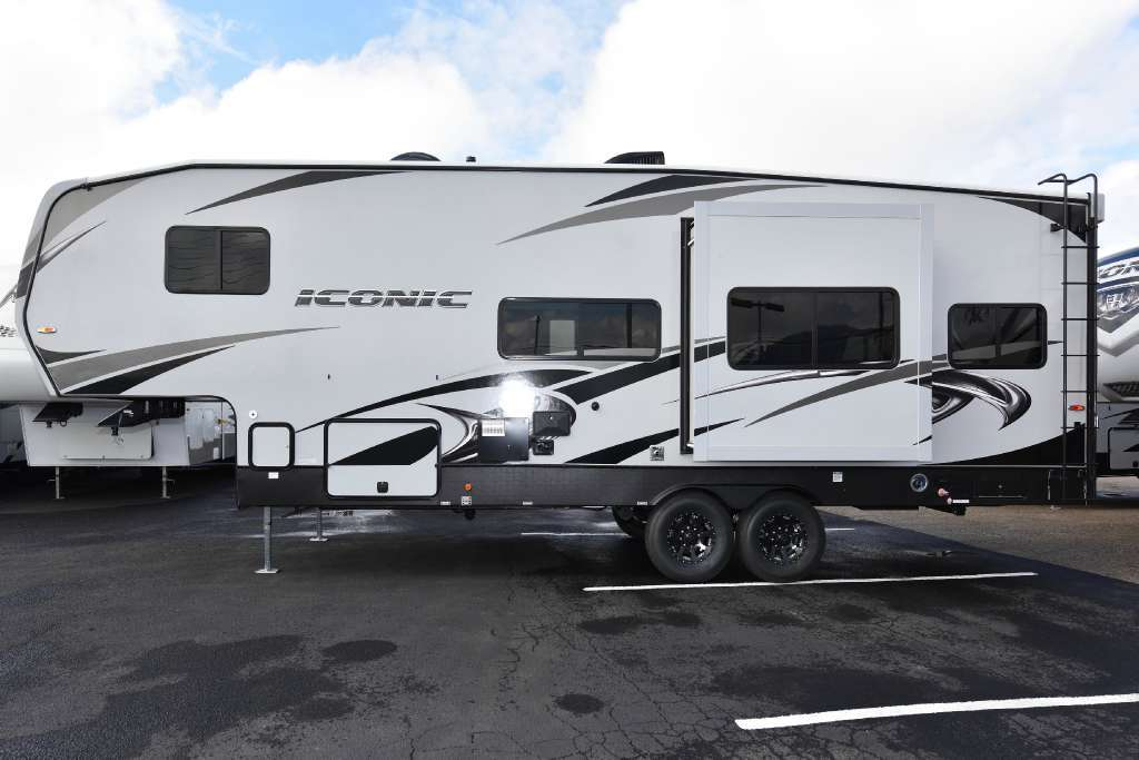 2018 Eclipse ICONIC 2817CKG, 1