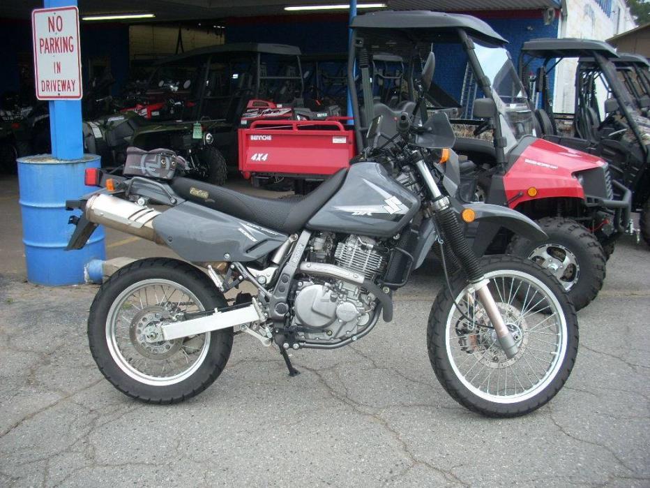 2013  Suzuki Motor of America Inc.  DR650SEL3