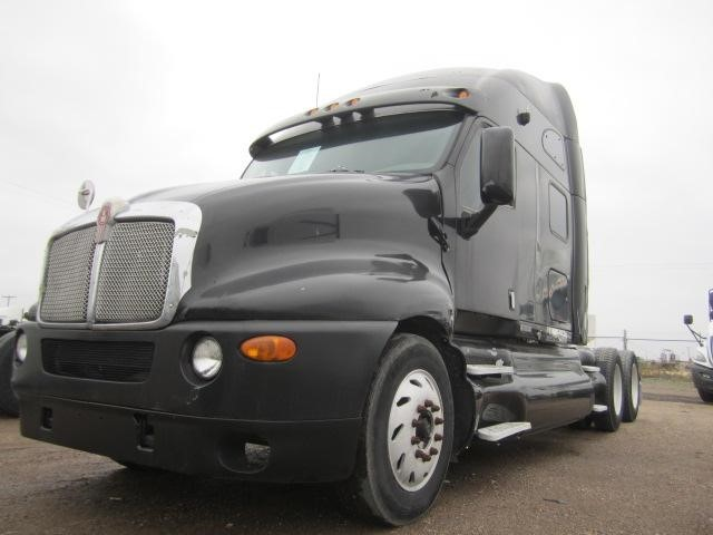 2002 Kenworth T2000 Conventional - Sleeper Truck