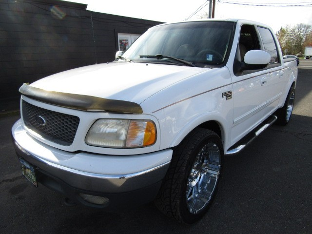 2001 Ford F-150 SuperCrew Crew Cab LARIET 4X4 MAGS SHARPEST ANYWHERE !!