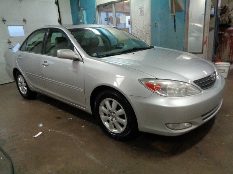 2004 Toyota Camry 4dr Sdn LE V6 Auto (Natl)!!  Clean!!