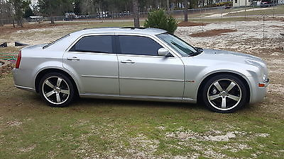2007 Chrysler 300 Series SRT8 2007 CHRYSLER 300 SRT8 6.1