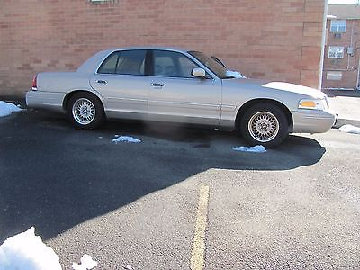 1998 Ford Crown Victoria LX 1998 Ford Crown Victoria LX