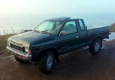 1992 Nissan Other Pickups SE 1992 Nissan D21 SE Extended Cab Pickup 2-Door 3.0L