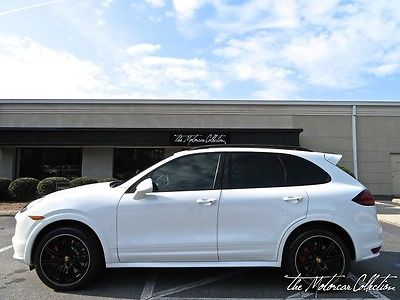 2014 Porsche Cayenne ONLY 7K MILES! CLEAN CARFAX CERTIFIED! FULLY LOADED WITH OPTIONS!