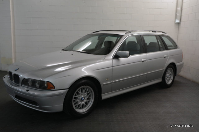2001 BMW 5-Series 525iAT Sport 2001 BMW 525i Wagon Premium Package Cold Weather Package Moonroof
