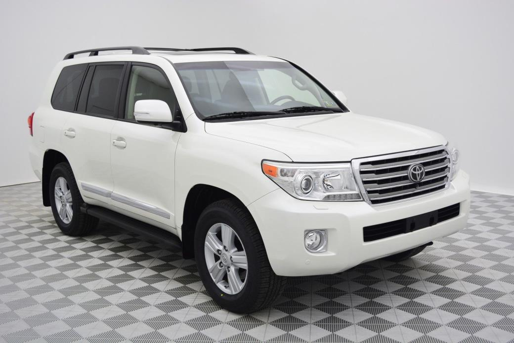 2013 Toyota Land Cruiser  2013 Toyota Land Cruiser Blizzard Peal Black Leather
