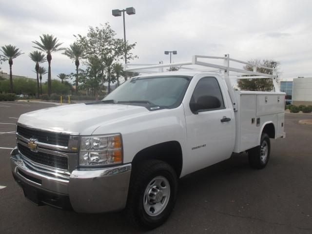 2010 Chevrolet C2500 Contractor Truck
