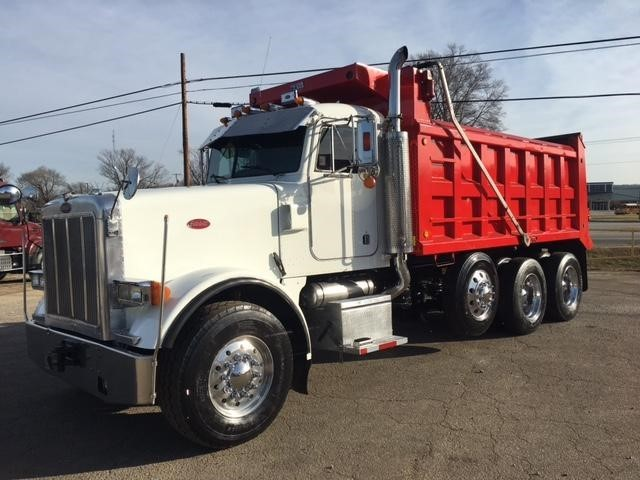 2004 Peterbilt 378 Dump Truck