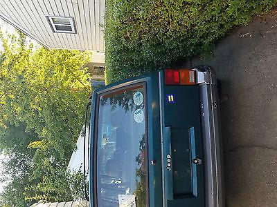 1996 Jeep Cherokee Classic Sport Utility 4-Door 1996 Jeep Cherokee Classic Sport Utility 4-Door 4.0L used green runs 4wd
