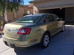 2012 Ford Taurus sedan Ford Taurus SEL Sedan--2012