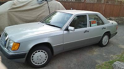 1990 Mercedes-Benz 300-Series 4 door Mercedes E300 4 door