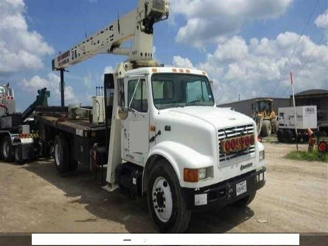 2002 International 4700 Crane Truck