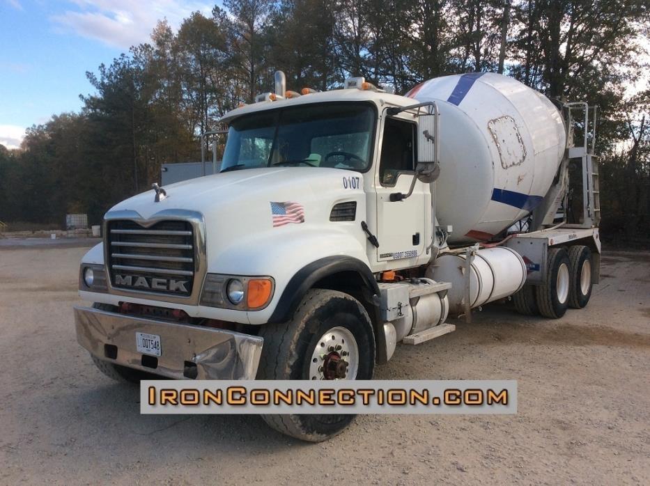 2001 Mack Rd688 Mixer Truck