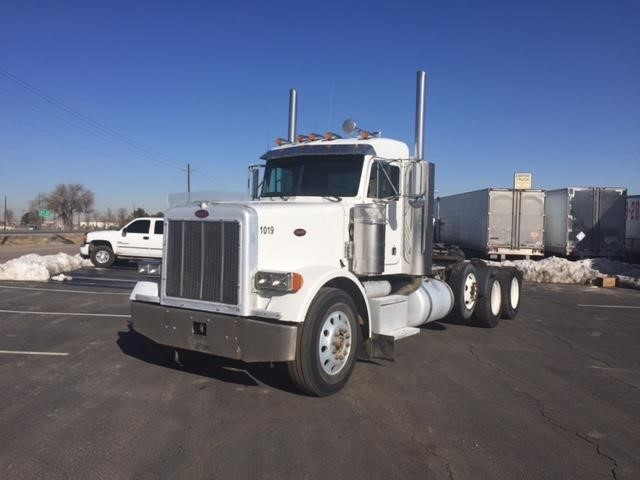2005 Peterbilt 378 Conventional - Day Cab