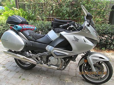 2010 Honda Other  2010 Honda NT700V mid sized touring bike EXCELLENT CONDITION