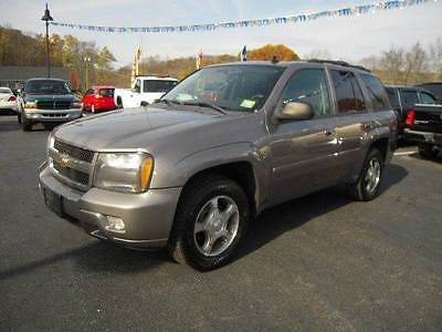2009 Chevrolet Trailblazer LT1 4x4 4dr SUV 2009 Chevrolet TrailBlazer LT1 4x4 4dr SUV 4.2L I6 Automatic 4-Speed Tan