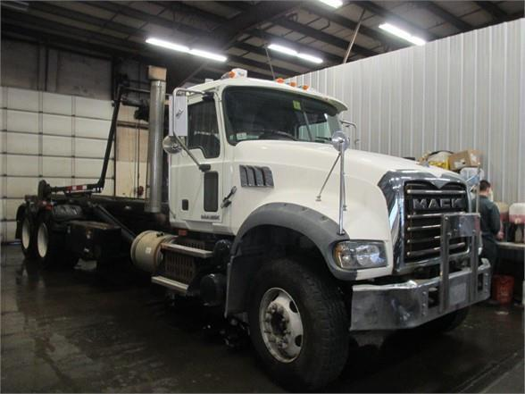 2010 Mack Granite Cv713 Roll Off Truck