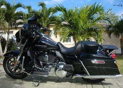 2016 Harley-Davidson Touring  2016 Harley D Black Ultra Limited LIQUID COOLED  Florida Rebuilt  1,700 miles