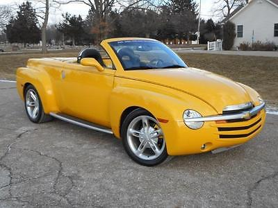 2004 Chevrolet SSR  2004 SSR 19K MILES AS NEW CLEAN CARFAX OPTIONED