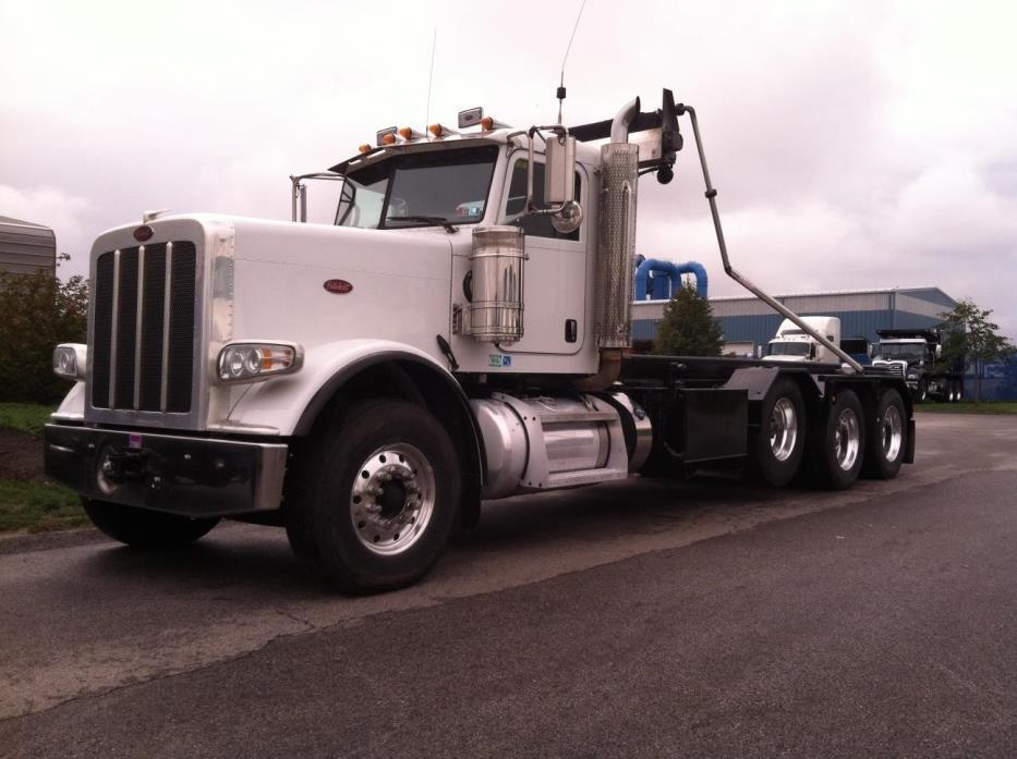 2012 Peterbilt 388  Garbage Truck