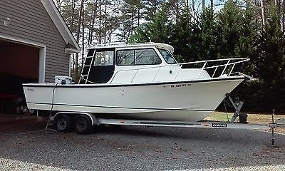 2006,  27 foot,  SEMI-CUSTOM, FIBERGLASS FISHING BOAT.