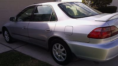 1998 Honda Accord LX WITH LEATHER 1998 Honda Accord LX  4dr  5speed  VERY SHARP ACCORD WITH LEATHER INTERIOR!