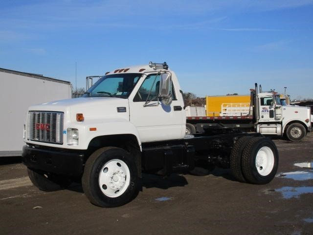 2002 Gmc C7500  Conventional - Day Cab