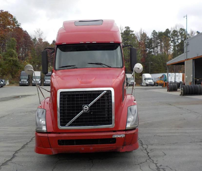 2008 Volvo Vnl Conventional - Day Cab