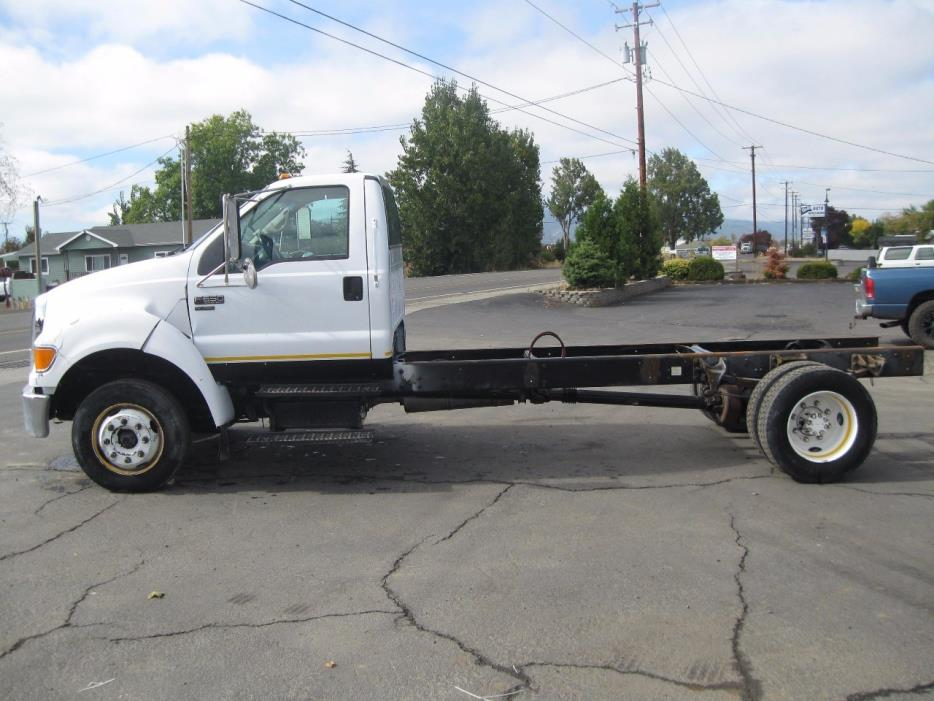 2004 Ford F650 Cab Chassis