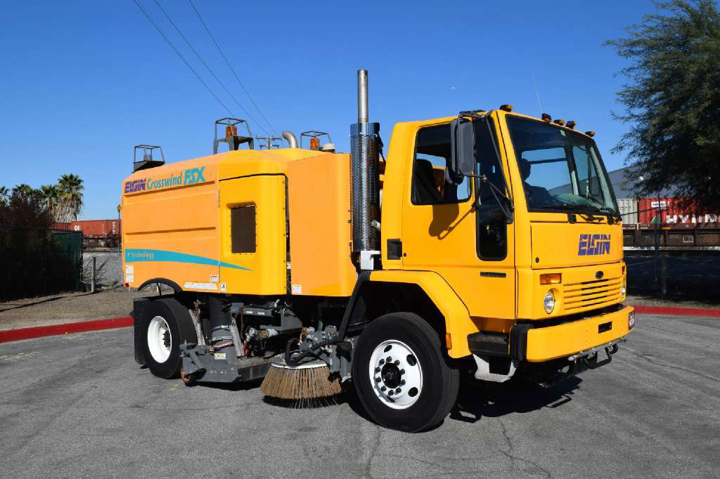 2001 Sterling Sc8000 Elgin Crosswind Fsx Airport Runway Sweeper  Sweeper