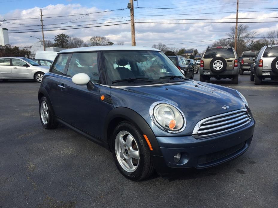 2009 Mini Cooper 2009 MINI COOPER LEATHER AUTOMATIC - NEW TIRES - CLEAN - UP TO 37 MPG
