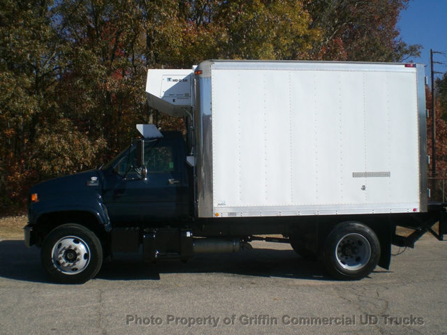 2000 Chevrolet C6500 Refrigerated Truck