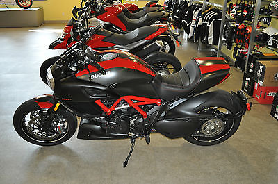 2015 Ducati Other  2015 Ducati Diavel Red Carbon Demo