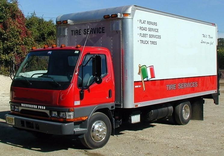 2004 Mitsubishi Fuso Fe639 Utility Truck - Service Truck