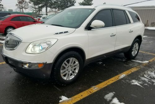 2009 Buick Enclave CX 2009 Buick Enclave CX  Backup Camera, DVD Dealer Maintained, Very clean NR!