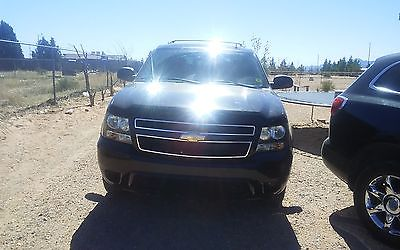 2008 Chevrolet Tahoe Black n black 2008 Tahoe 91000 miles 4x4 very good condition 15000