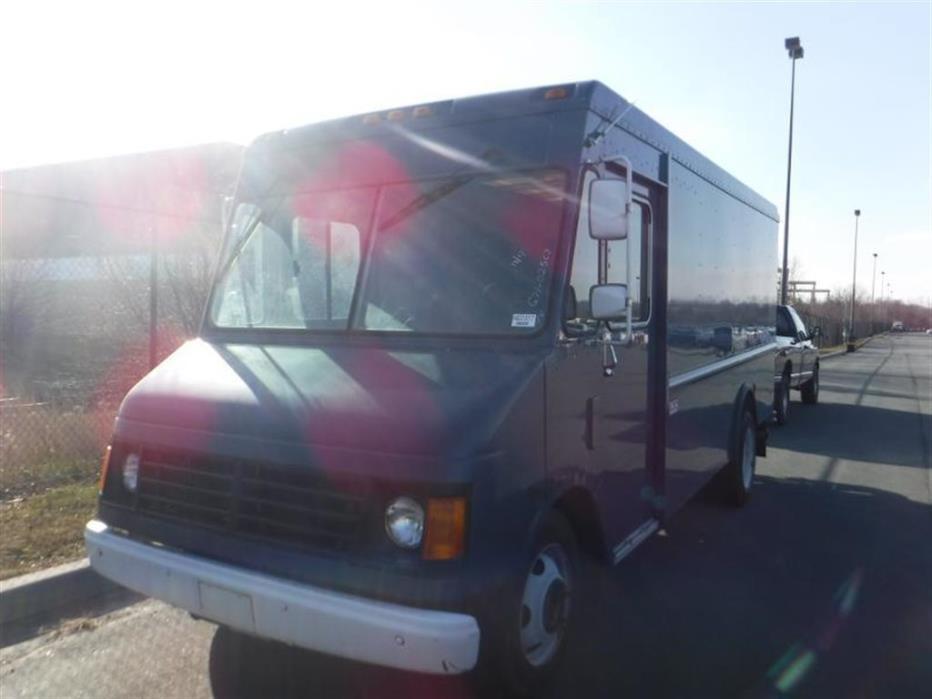 2003 Workhorse W42  Dry Van