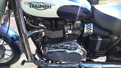2010 Triumph Bonneville  2010 Triumph America Motorcycle Very Low Mileage