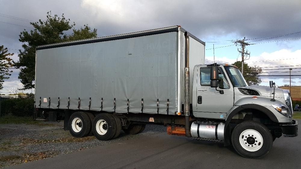 2009 International Workstar 7600  Box Truck - Straight Truck