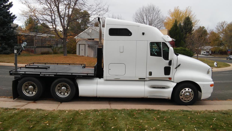 1999 Kenworth T2000 Conventional - Sleeper Truck