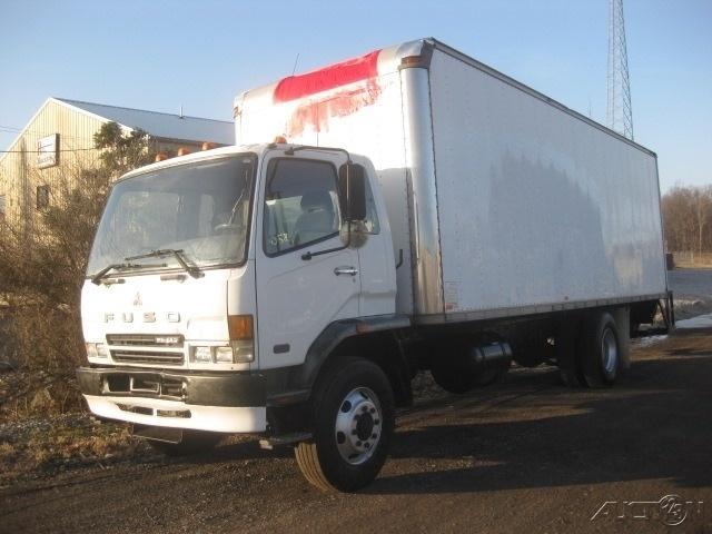 2005 Mitsubishi Fm260 Box Truck - Straight Truck