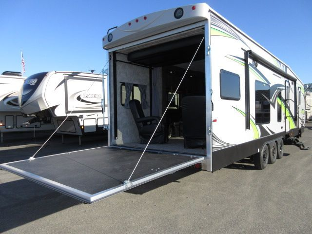 2018 Eclipse ATTITUDE 32GSG Two slides/Two AC's/, 2